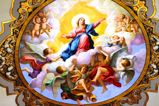Fresco_of_the_Assumption_of_Mary_-_Basílica_de_La_Macarena_-_Seville_(2)