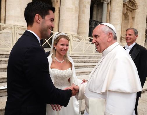 papal-handshake-505x396