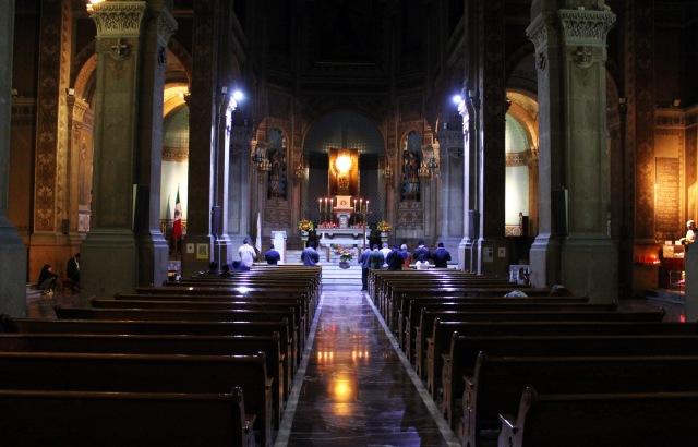 Templo_Expiatorio_Nacional_de_San_Felipe_de_Jesús_-_Adoración_nocturna